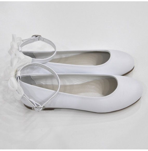 Ballerina in pelle con cinturino alla caviglia e fiocco dietro