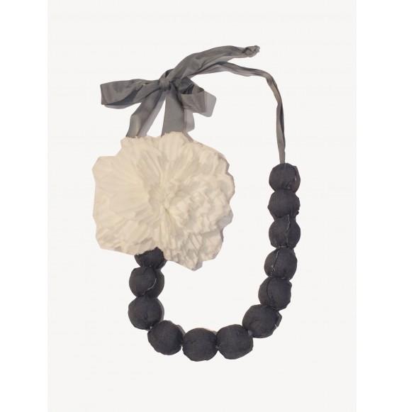 LùLù - Collana con perle e fiore