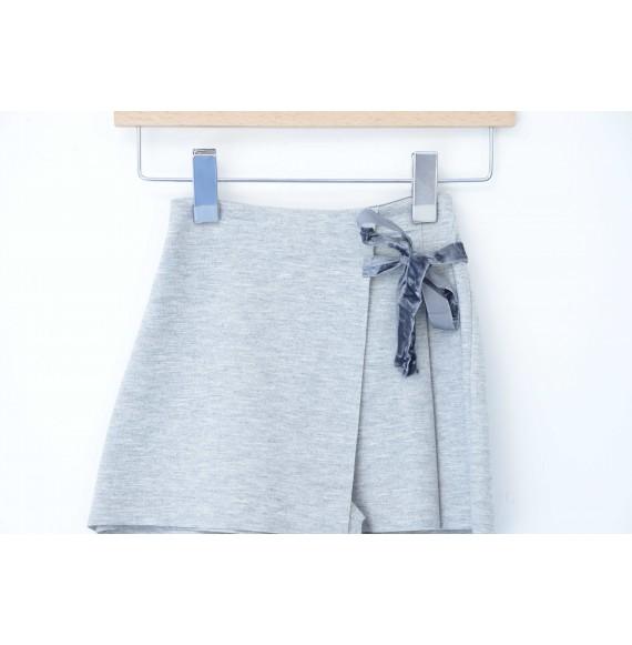 J.O. MILANO - Gonna pantalone con fiocco