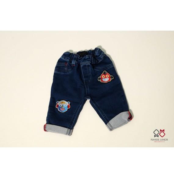 Jeans in felpa con applicazioni